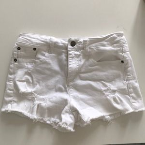 White jean shorts in perfect condition